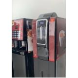 máquina de café expresso com cápsula